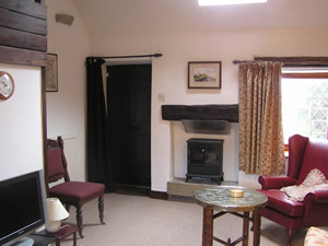 Picture of the interior of Cruck Cottage